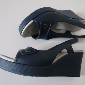 CROCS ~ Blue Wedge Heels ~ Slingback Size 10 W